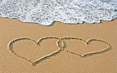 hearts-in-a-beach