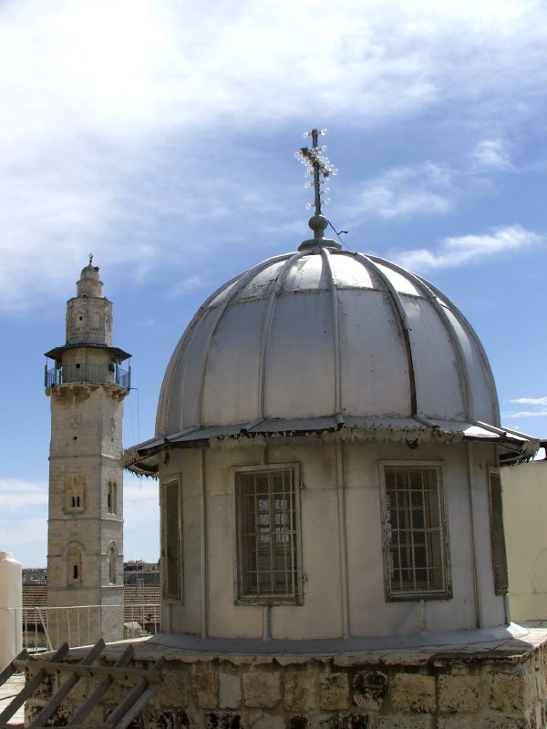 umar-mosque-and-the-church-of-holy-sepulcher